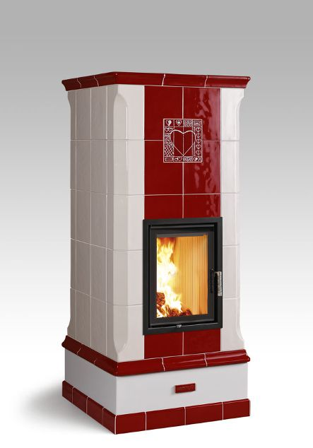 heat storage stove with heart decoration